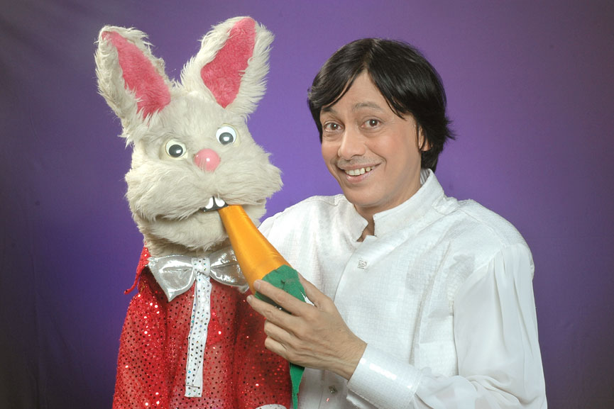 Ventriloquist and Puppeteer Ramdas Padhye with Bunny Puppet from Lijjat Papad AD